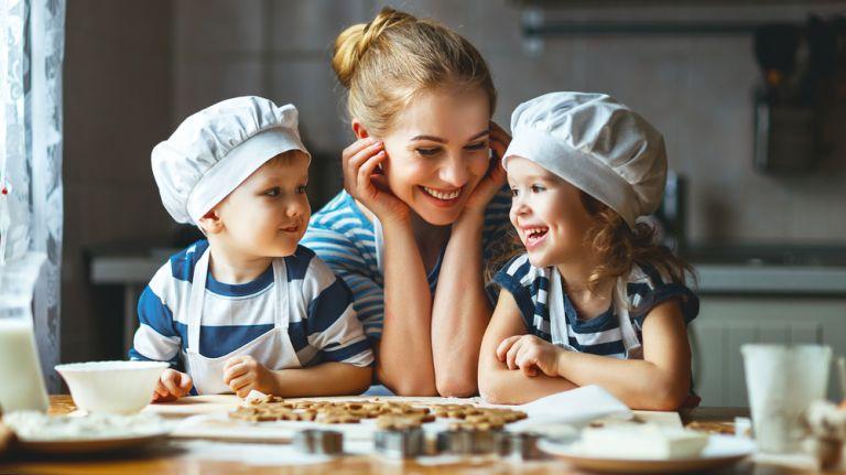 4 κόλπα για να φτιάξετε εσείς τα καλύτερα κουλουράκια | vita.gr