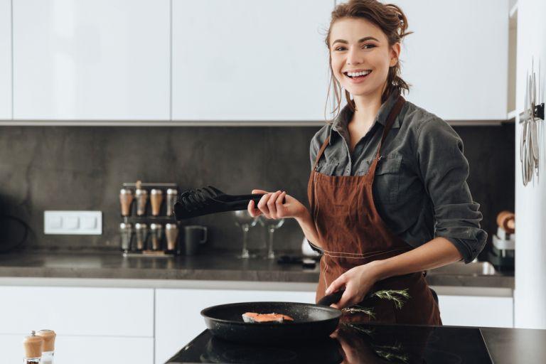 Μήπως σας παχαίνει το φαγητό στο σπίτι; | vita.gr