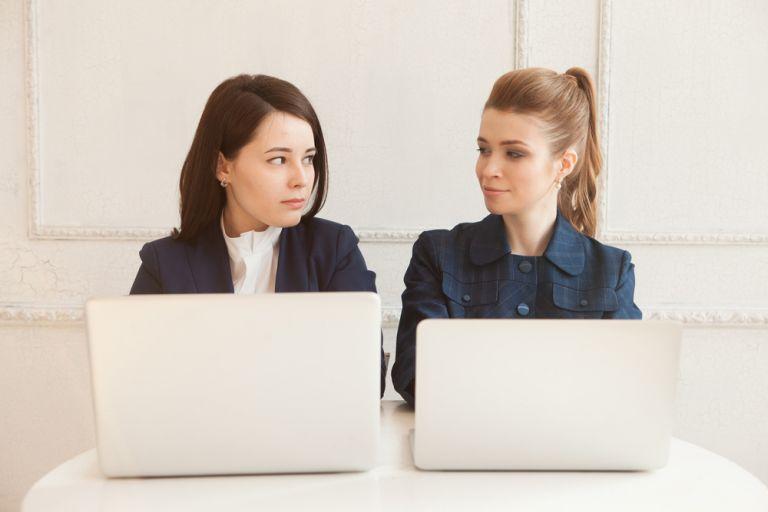 Η οπτική επαφή κάνει τους ανθρώπους πιο ειλικρινείς | vita.gr
