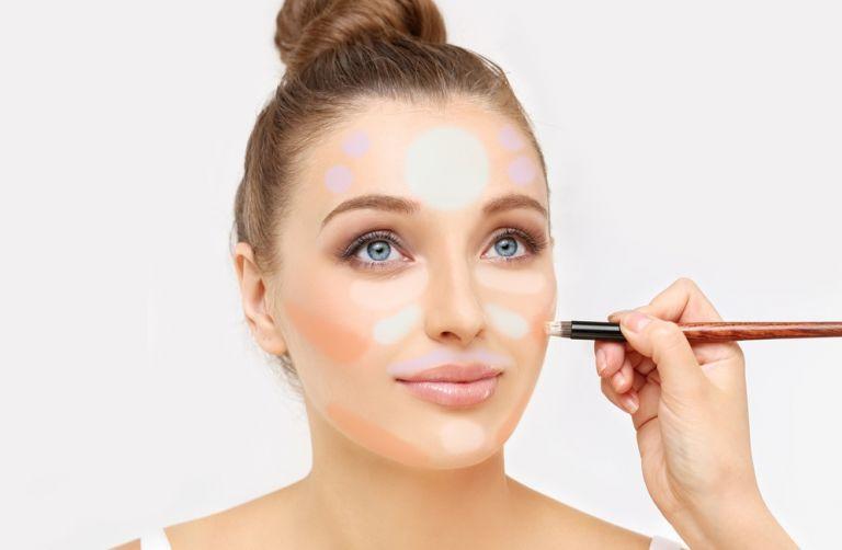 Η τεχνική για να καλύψετε κάθε ατέλεια στο δέρμα σας | vita.gr