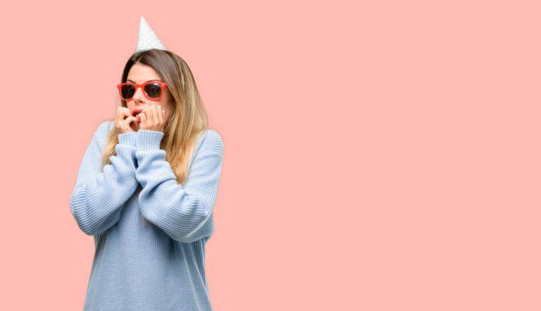Πώς θα περάσεις καλά σε πάρτι ακόμα κι αν σου προκαλεί άγχος | vita.gr