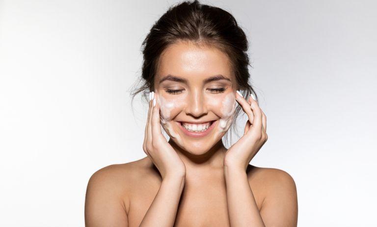 Πόσο σωστά καθαρίζετε την επιδερμίδα σας;   vita.gr