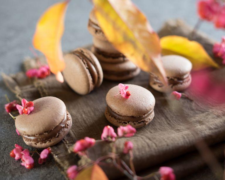 Σπιτικά μακαρόν με γέμιση σοκολάτας   vita.gr