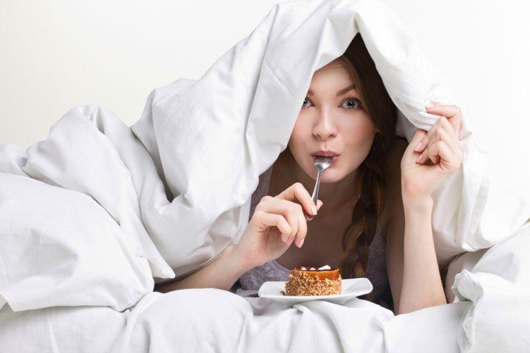 Η έλλειψη ύπνου οδηγεί σε υπερφαγία | vita.gr