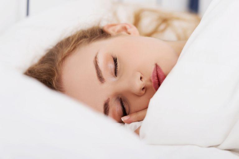 Έτσι θα αποφύγουμε τις ρυτίδες του ύπνου | vita.gr