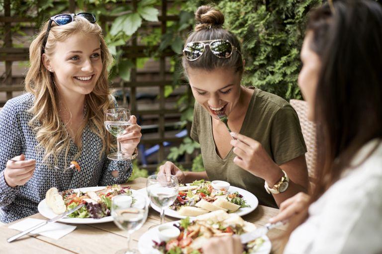 Συνδυασμοί φαγητών με πολλές θερμίδες που σας αδυνατίζουν   vita.gr