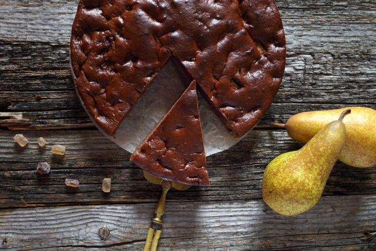 Τάρτα με κουβερτούρα και αχλάδια | vita.gr