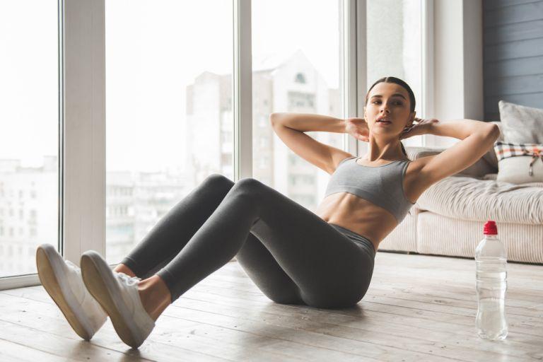 Έξι ασκήσεις για να καταπολεμήσετε το λίπος στην κοιλιά | vita.gr