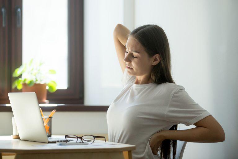 Ασκήσεις γιόγκα για τον πόνο στην πλάτη | vita.gr
