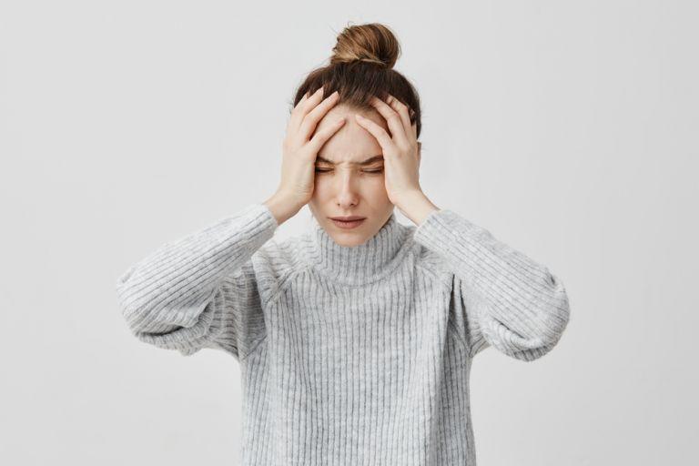 Γιατί πονάει το κεφάλι μου όταν είμαι νηστική; | vita.gr