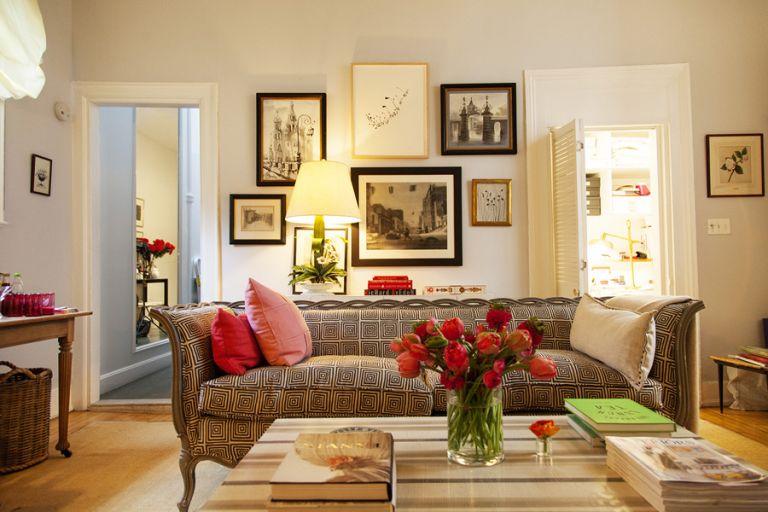 5 τρικ για να φαίνεται το σαλόνι σας μεγαλύτερο | vita.gr