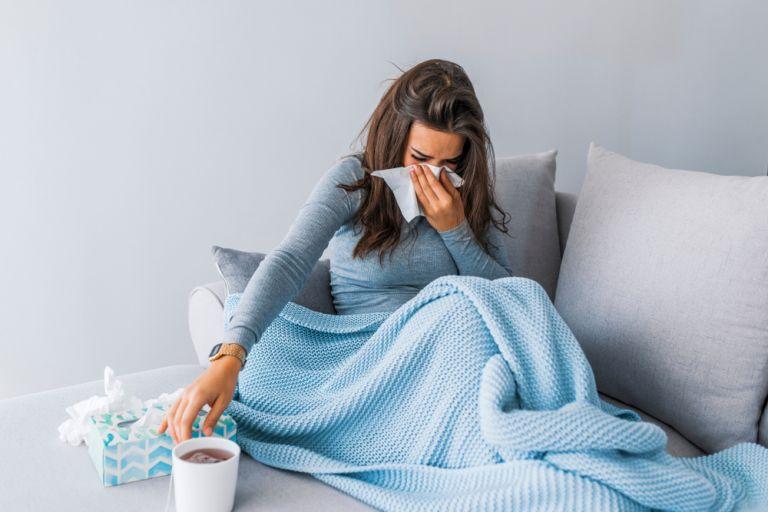 Ανησυχία για τη γρίπη: 18 θάνατοι και 3 παιδιά σε ΜΕΘ | vita.gr