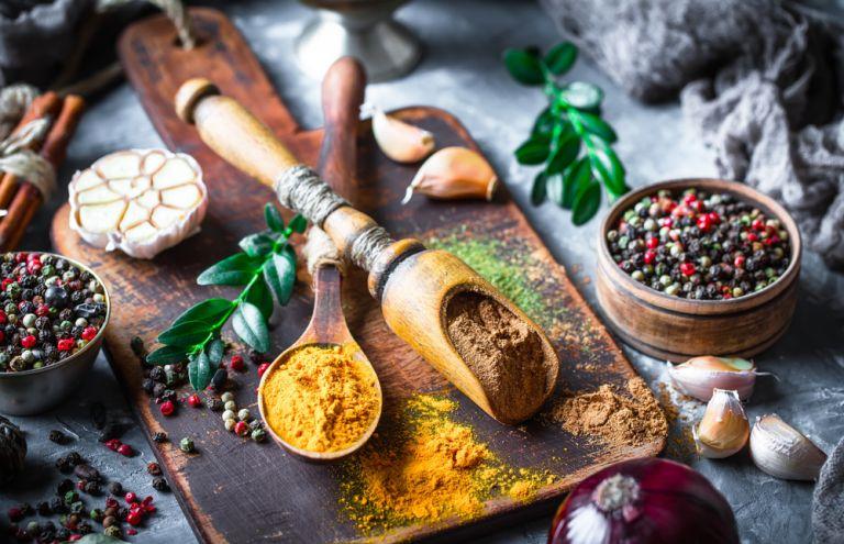 4 μπαχαρικά με εκπληκτικές καλλυντικές ιδιότητες | vita.gr
