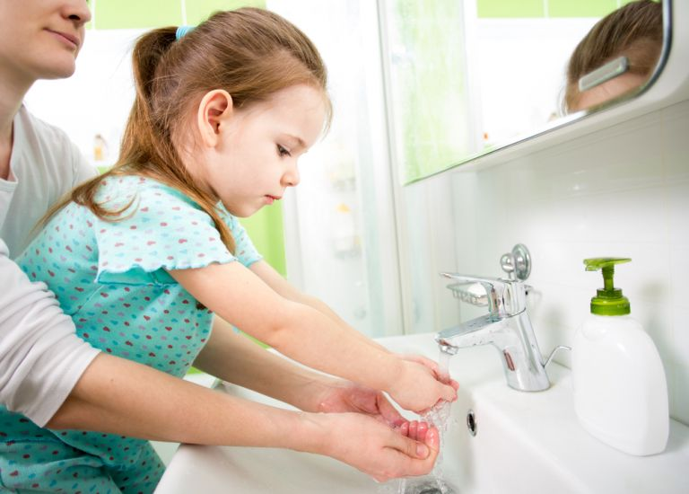 Το πρόβλημα των μικροβίων στα παιδιά | vita.gr
