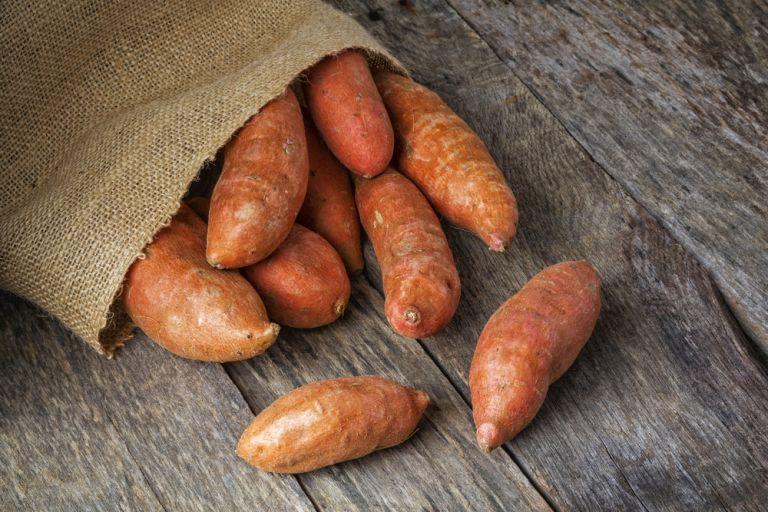 Γλυκοπατάτες: Πέντε λόγοι να τις εντάξετε στη διατροφή σας | vita.gr