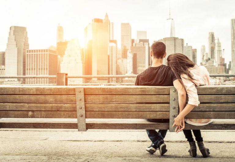 Πως μπορεί να κρατήσει το κάθε ζώδιο την σχέση του ζωντανή; | vita.gr