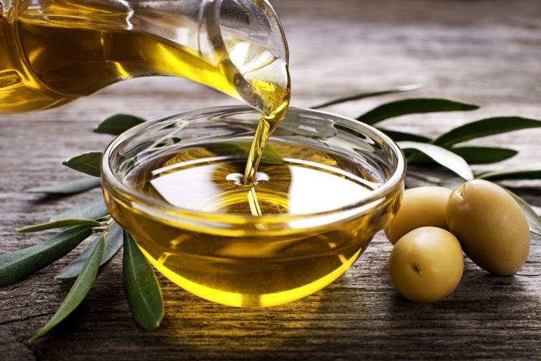 Ελαιόλαδο: Τα οφέλη του «υγρού χρυσού» | vita.gr