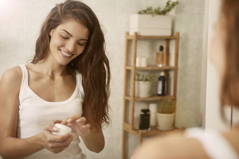 Τι πρέπει να γνωρίζετε αν έχετε ευαίσθητη επιδερμίδα | vita.gr
