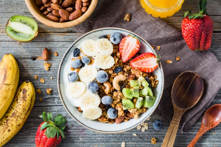 Τέσσερις προτάσεις για υγιεινό πρωϊνό | vita.gr