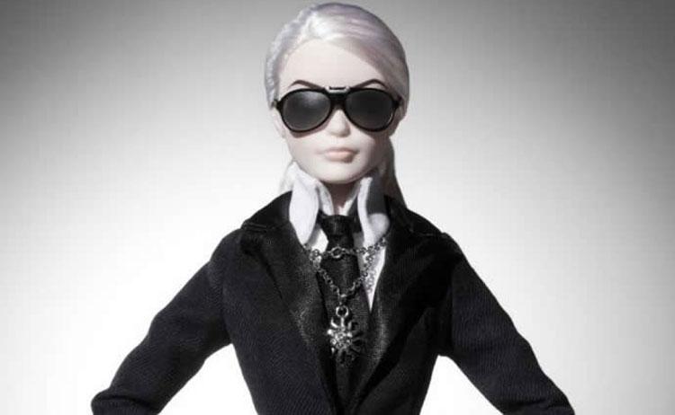 Η Barbie αποχαιρέτησε τον Καρλ Λάγκερφελντ | vita.gr