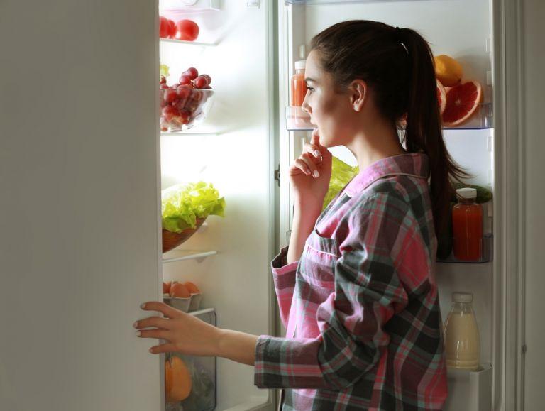 Πώς θα περιορίσετε το συχνό τσιμπολόγημα | vita.gr