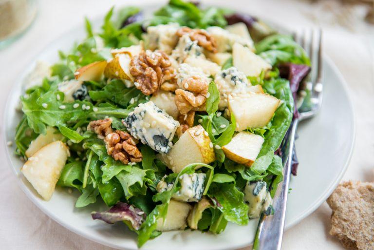 Σαλάτα με μπλε τυρί και καρύδια | vita.gr