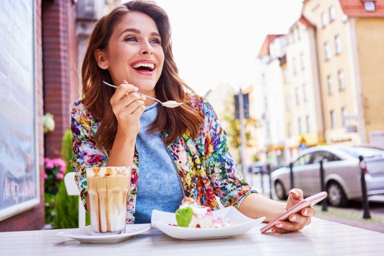 Η καλύτερη ώρα να απολαύσετε το γλυκό σας χωρίς να παχύνετε | vita.gr