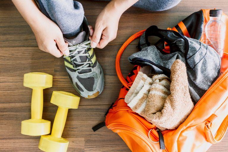 Έτσι θα βγάλετε τη μυρωδιά από τα ρούχα της γυμναστικής αποτελεσματικά | vita.gr