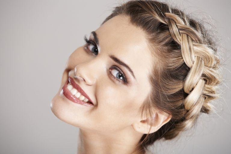 Το girly χτένισμα που πρέπει να δοκιμάσετε αυτό το Σαββατοκύριακο | vita.gr