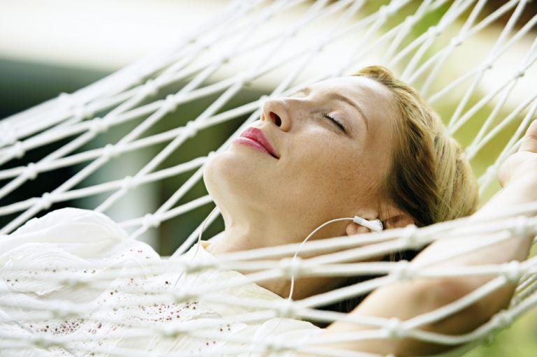 5 ειδικοί μας λένε τι σημαίνει να είμαστε χαρούμενοι | vita.gr