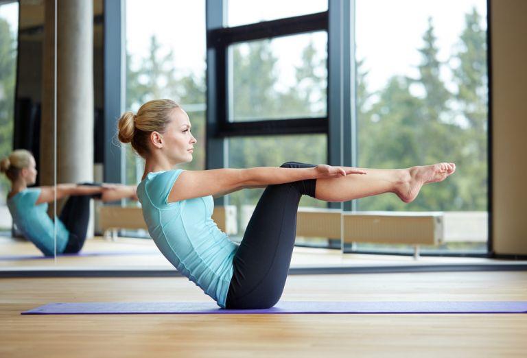 Πρόγραμμα Pilates για τις μανούλες που γέννησαν πρόσφατα | vita.gr