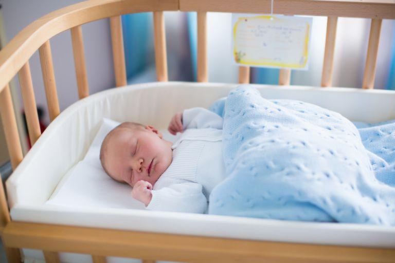 Οκτώ tips για τον ασφαλή ύπνο του μωρού | vita.gr