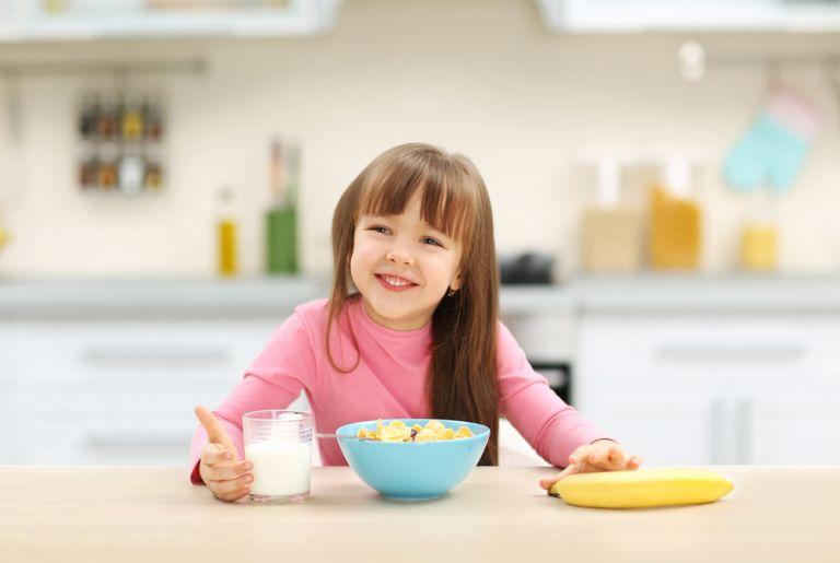 Πώς θα πείσετε το παιδί σας να τρώει πρωινό | vita.gr