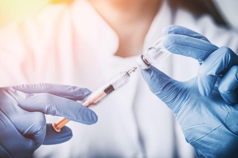 Εμβόλιο που μπλοκάρει τον καθημερινό πόνο της οστεοαρθρίτιδας, δίνει ελπίδα σε εκατομμύρια ασθενείς | vita.gr