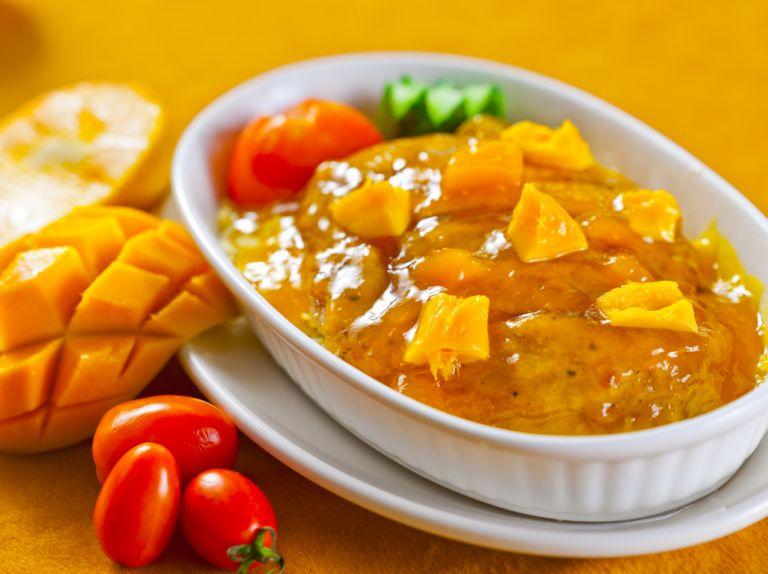 Σάλτσα μάνγκο με κονιάκ και γιαούρτι | vita.gr