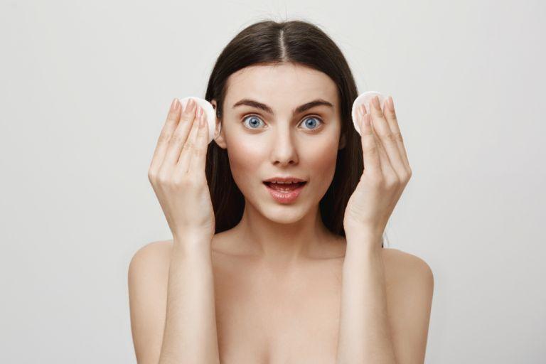 Πώς θα απομακρύνετε κάθε ίχνος μακιγιάζ | vita.gr