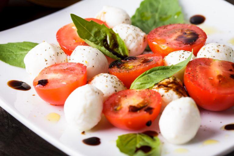 Ιταλική σαλάτα Caprese | vita.gr