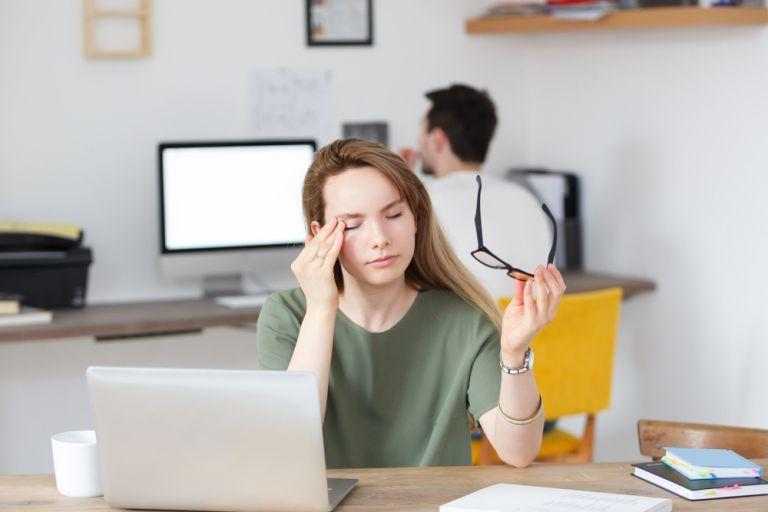 Έστω και 16 λεπτά μειωμένου ύπνου επηρεάζουν την απόδοση στη δουλειά | vita.gr