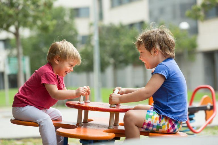 Παίξτε με ασφάλεια στην παιδική χαρά | vita.gr