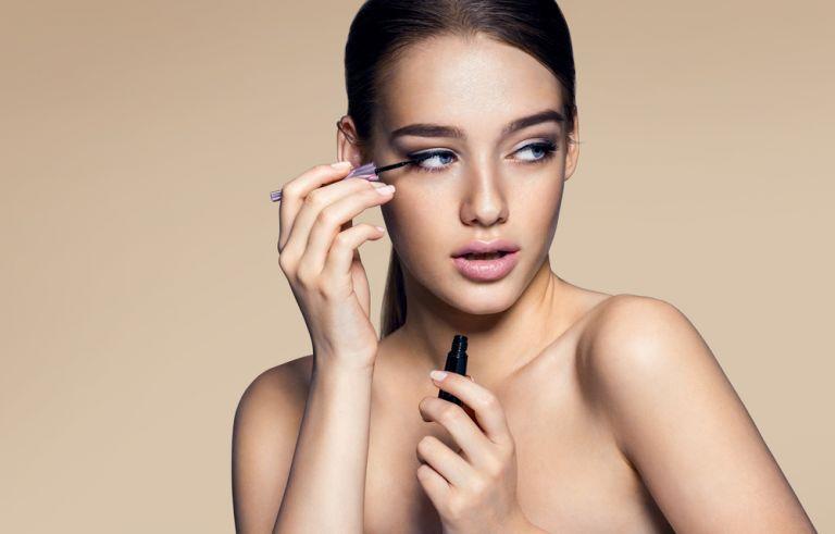 Έτσι θα διατηρήσετε τη μάσκαρα για περισσότερο καιρό | vita.gr
