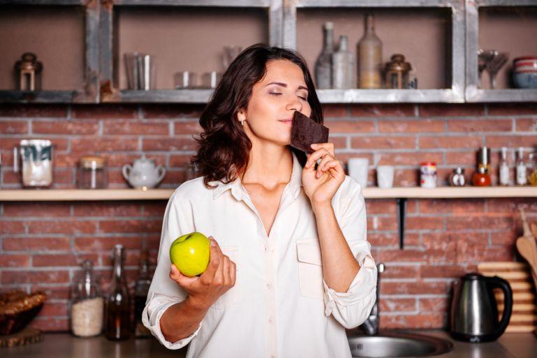 Η μυρωδιά της σοκολάτας ή της μέντας ελαττώνει την ανάγκη για τσιγάρο | vita.gr