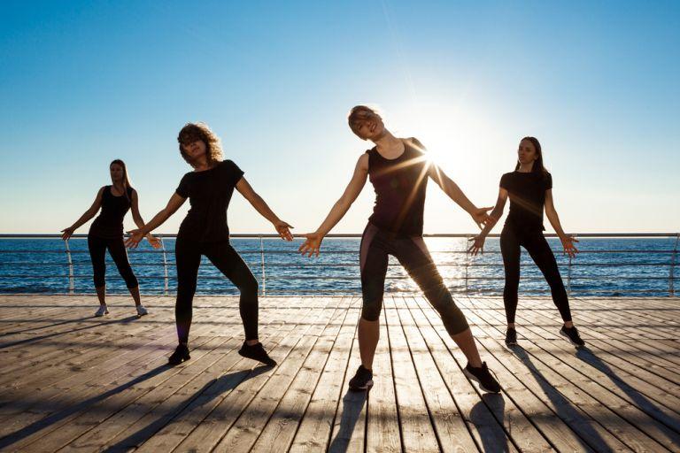 Χορέψτε για πέντε λεπτά και κάψτε 100 θερμίδες | vita.gr