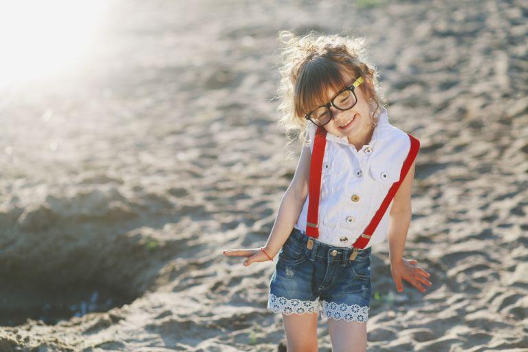 Πώς θα ενισχύσετε την αυτοπεποίθηση του κοντού παιδιού | vita.gr