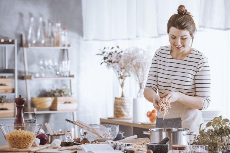 Πέντε νόστιμες και εύκολες προτάσεις για βραδινό | vita.gr