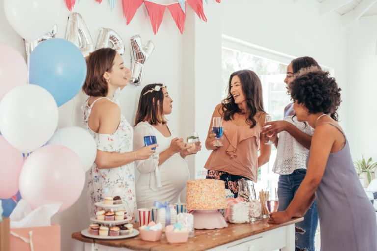 Ρετρό πάρτι πριν υποδεχθείτε το μωρό | vita.gr
