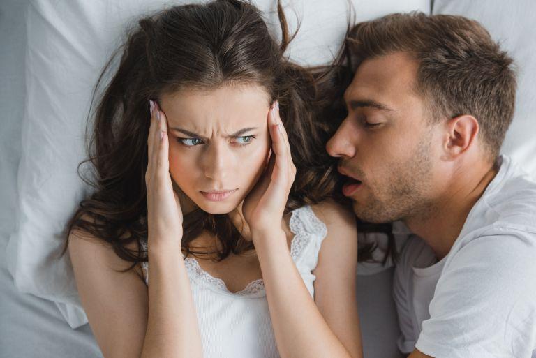 Τι να κάνετε όταν δεν αντέχετε να κοιμηθείτε με τον σύντροφό σας | vita.gr