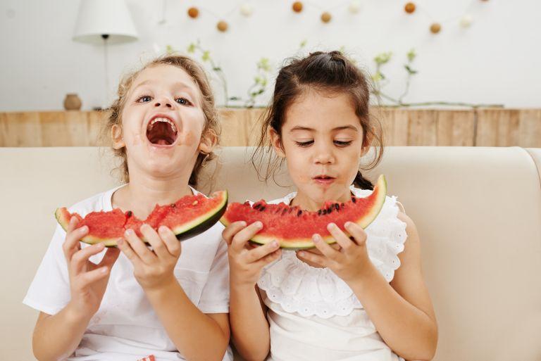 Έξυπνοι τρόποι για να αγαπήσει το παιδί τα φρούτα και τα λαχανικά | vita.gr