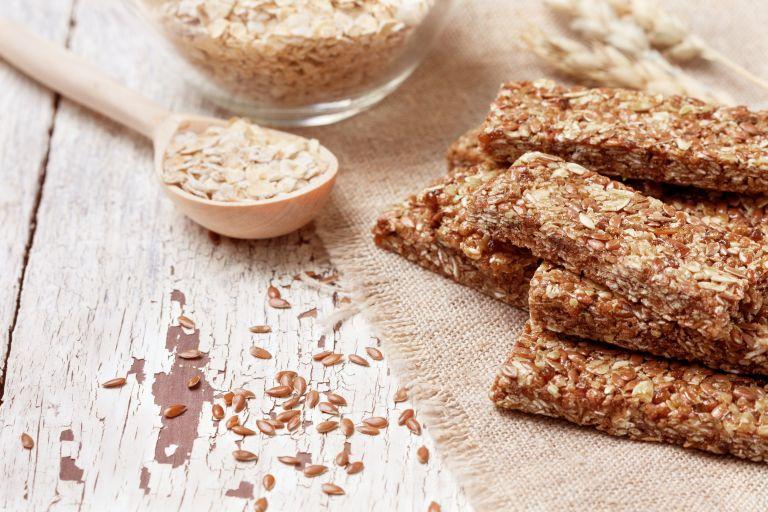 Φτιάξτε μπάρες δημητριακών χωρίς ψήσιμο | vita.gr