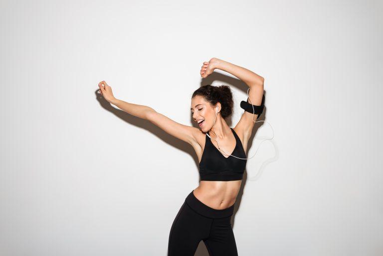 Κάψτε θερμίδες με αυτή τη διασκεδαστική χορογραφία | vita.gr