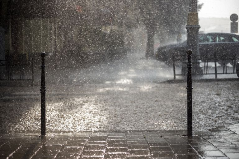 Βροχές, καταιγίδες και μικρή πτώση της θερμοκρασίας | vita.gr